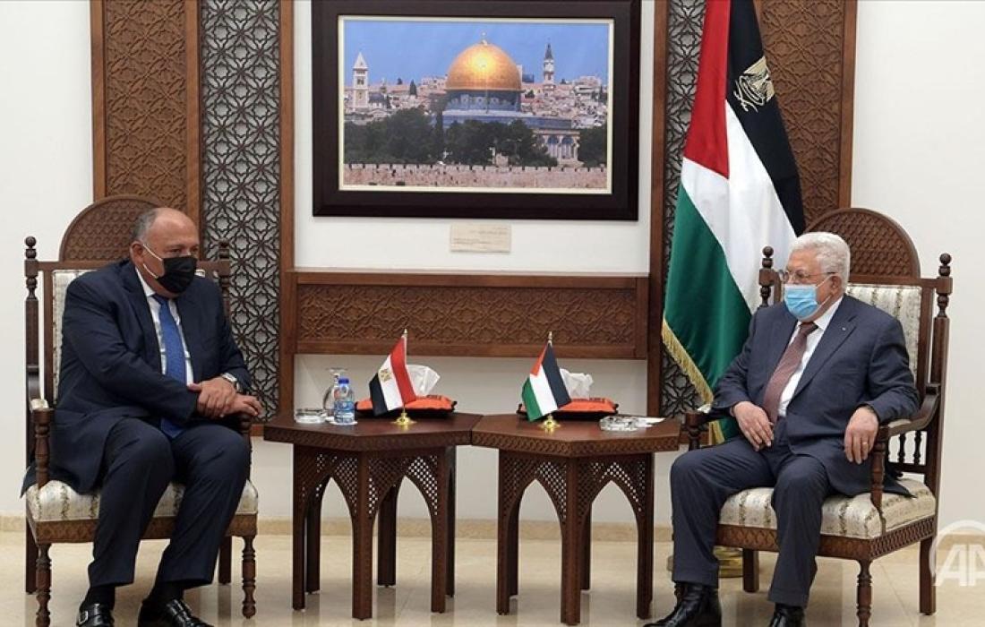 وزير الخاريجة المصري مع عباس