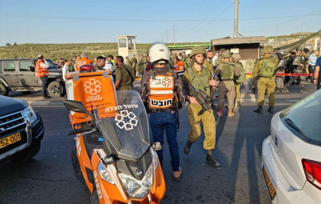 """عملية إطلاق نار على مدخل مستوطنة """"كريات أربع"""" جنوب الضفة المحتلة"""
