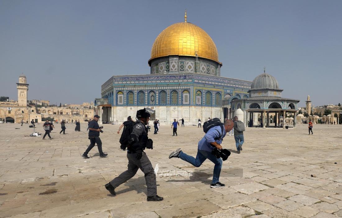 """""""حماس"""": الاحتلال يحاول ترقيع نقصه بالاعتداء على الأقصى ويدعو للزحف نحو القدس"""