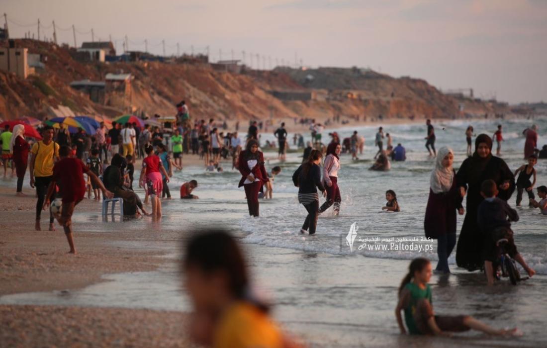 """السياحة بغزة توضح لـ""""فلسطين اليوم"""" حقيقة تحذير المواطنين من السباحة في البحر غدًا الاحد"""