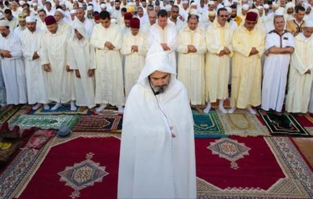 صلاة العيد في الجزائر.jpg