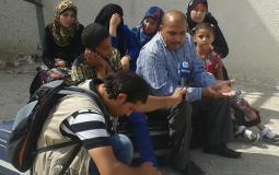 عائلة جمعة تنتظر السفر عبر معبر رفح