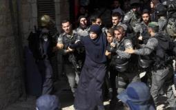 اعتقال سيدة فلسطينية (ارشيف)