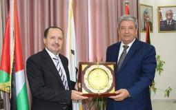 صورة خلال تسليم رئاسة جامعة الأقصى للدكتور محمود صبح