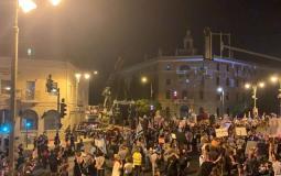 تظاهر آلاف المستوطنين الاسرائيليين الليلة ضد نتيناهو