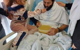 الطفلة تقى ماهر الاخرس تنهي اضراب والدها بعد 103 ايام من الاضراب
