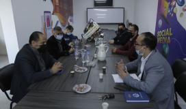 """وفد من منتدى الإعلاميين يزور وكالة """"فلسطين اليوم"""" ويهنأها بحلتها الجديدة وذكرى انطلاقتها الـ17"""