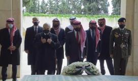 الأمير حمزة والملك عبدالله لأول مرة بعد محاولة الانقلاب الفاشل.jpg