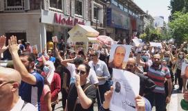 مسيرة في رام الله تنديدًا لاغتيال الناشط نزار بنات 5.jpg