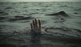 انتشال جثمان صياد غريق قبالة بحر دير البلح