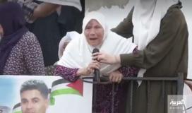 والدة الاسير القائد محمود عارضة.JPG