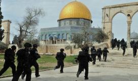 قوات الاحتلال تقتحم الاقصى