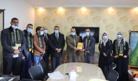 الرابطة الاسلامية خلال زيارة مدير التربية والتعليم غرب غزة