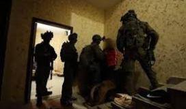 قوات الاحتلال تُعيد اعتقال أسير من الخليل