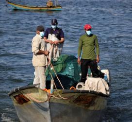 صيادو غزة بدأوا بالصيد على مساحة 9 أميال داخل البحر