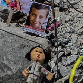 """""""أطفال ولكن"""".. معرض يضم يضم صور الأطفال ضحايا العدوان الإسرائيلي الأخير"""