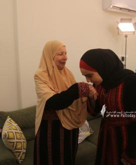 بالصور:الطالبة وفاء خالد سعيد فارس الأولى على مستوى فلسطين القسم العلمي بمعدل 99.7   من غزة