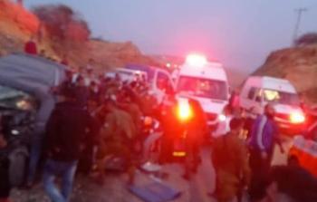 7 إصابات بحادث سير بين سيارة مدنية وأخرى