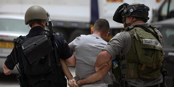 الاحتلال يعتقل فتى من مدينة الخليل