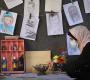 """الرسامة """"الأقرع"""".. تبدع في موهبتها الفنية في رسم الشخصيات الوطنية والدفاع عن فلسطين"""